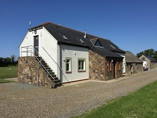 Skomer Lodge, Newgale Lodge - Coastal Bunkhouse, Sleeps 22
