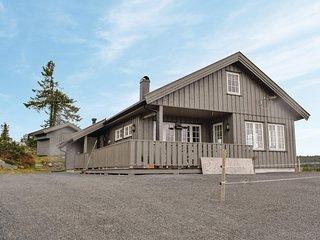Stunning home in Sjusjoen w/ Sauna and 3 Bedrooms (N31940)
