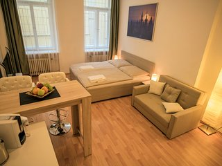 Apartment right behind the corner of Old Town Square by easyBNB
