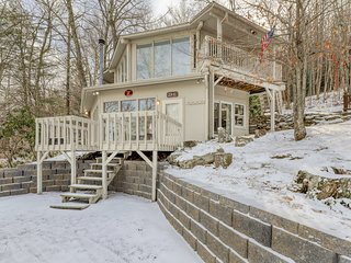 Slopeside home just walking distance from the ski lifts