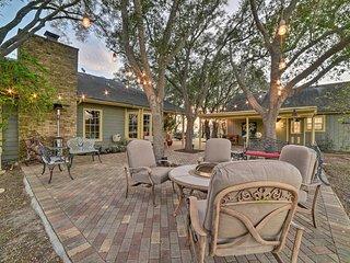 NEW! Cottage w/ Patio, Fountain & Outdoor Kitchen!