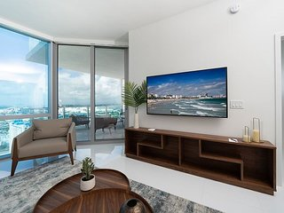 Paramount Miami – Luxury Condo w/Private Balcony & Entrance – Monthly Rates