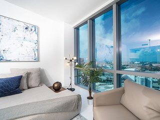 Paramount Miami – Luxury Condo Near Museums, Shopping & Thriving Nightlife