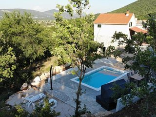 Holiday home Jadric - Two-Bedroom Holiday Home with Pool