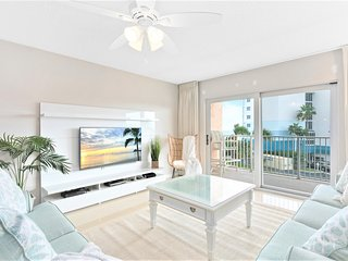 Stunning 3 Bedroom Condo next to Pier- Ocean View!