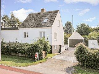 Beautiful home in Svaneke w/ 4 Bedrooms (I58899)