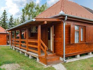 Amazing home in Balatonmáriafürdö w/ 1 Bedrooms (UBW433)