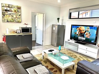 Revesby Brand New Self-Contained Granny Flat⭐️⭐️⭐️⭐️⭐️