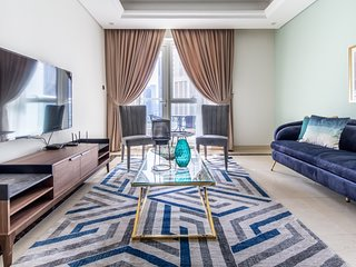 High-End & Stylish 2BR With Study Apartment in Downtown Dubai