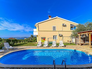 Awesome home in Pasman w/ Outdoor swimming pool and 4 Bedrooms (CDU359)