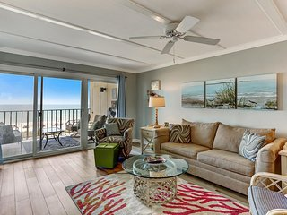 Directly on the Ocean-Better at Rho's Beachside!