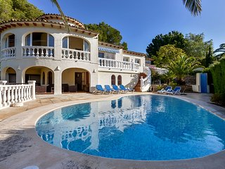 Villa, swimming pool, till 8 persons, self supporting guesthouse, 3 bathrooms