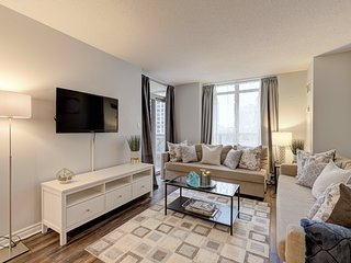 3BR Furnished Suite - Square One, Mississauga