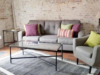 A La Maison - Quiet, spacious 1B/1B