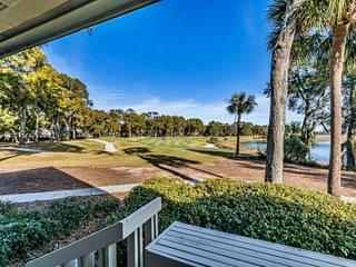 Golf Villa, stunning views. Close to Beaufort/Parris Island/2 Golf Courses/resor