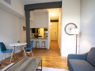 Modern & Spacious 2BR Duplex, 20 Min From NYC