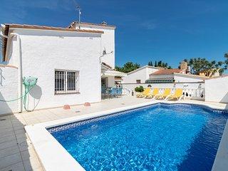 Villa con piscina privada, wifi, sat, cerca playa