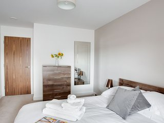 Stunning Luxury City Centre Townhouse 2BR Sleeps 4