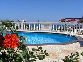 Rouladina Apt 3, Stalos, Crete