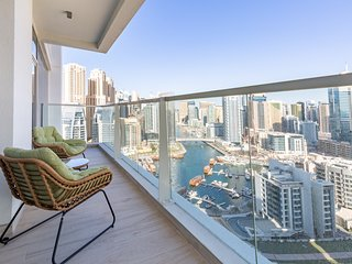Beautiful Bright 2BR Apartment With Stunning Marina Views