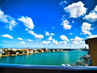 Harborview Grande 407 New Listing - 4th Floor Condo with Clearwater Harbor View