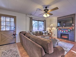 NEW! Modern Cabin in Coconino Nat'l Forest w/ Deck