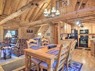Picturesque Log Cabin in Estes Park: 9 Mi. to RMNP