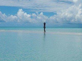 Himandhoo Lagoon, experience local Maldives life.