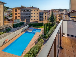 Duplex with terrace and pool at 50min Bcn