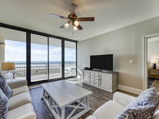 Lovely Gulf front condo w/shared sauna, hot tub, indoor pool, & stunning views!
