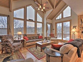 Black Bear Resort Cabin: 8 Mi to Prime Skiing!