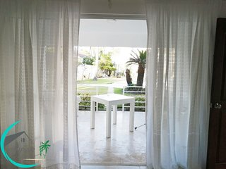 DELUXE E1, 2 BR, POOL,TERRACE,CLOSE TO THE BEACH!