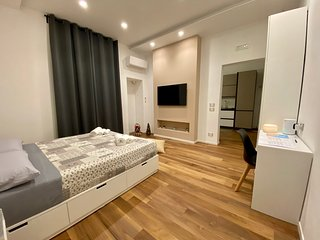 Minimal House - Luxury apartment Bari
