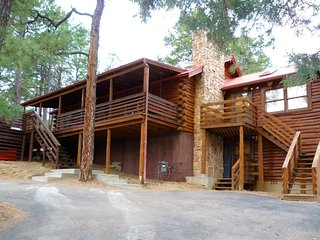 Bearadise Cabin - Cozy Cabins Real Estate, LLC.