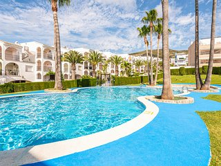 Stunning apartment in Peñiscola w/ Outdoor swimming pool and 2 Bedrooms (EBA158