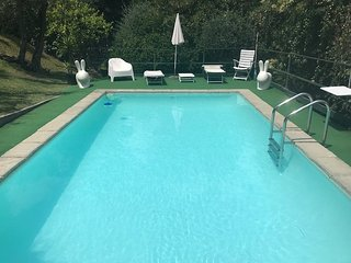 Porzione di Villa con piscina e giardino privati e vita mare 010046-LT-0629