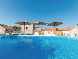 Nice home in Lisane Tinjske w/ Outdoor swimming pool, WiFi and 4 Bedrooms (CDA46