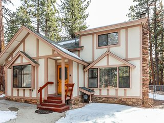Boulder Bay Pines Adorable Family/Pet Friendly Walk To Lake Chalet