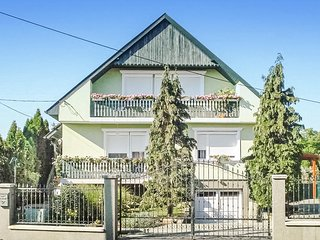 Beautiful home in Gyenesdiás w/ WiFi and 2 Bedrooms (UBN724)