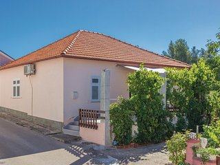 Awesome home in Zadar w/ WiFi and 2 Bedrooms (CDA375)