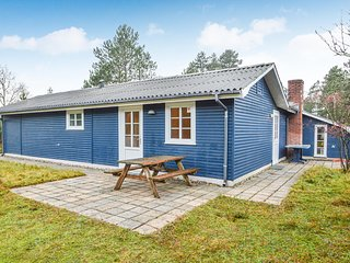 Nice home in Rømø w/ Sauna, WiFi and 4 Bedrooms (R10002)
