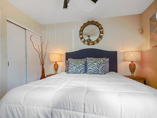 Lakeview condo perfect for watching sunsets