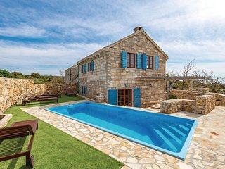 Awesome home in Dabovi Stani w/ WiFi, 2 Bedrooms and Outdoor swimming pool (CKP8