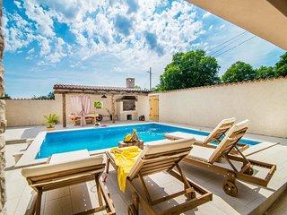 Holiday house Eleonora