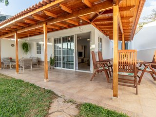Flatguest Orinoco + Pool + Terrace + Garden