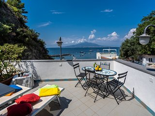 Seaside apartment with panoramic terrace on the Sorrento Coast