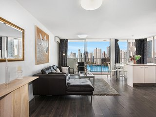 Sweeping Views of Surfers Paradise and Chevron Island