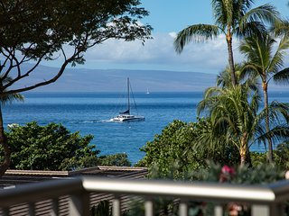 THE WHALER ON KAANAPALI BEACH LUXURIOUS OCEAN VIEW CORNER UNIT