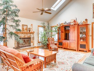 Spacious family home with ski views, wood fireplace & pool table!