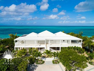 TC Villas // Beach Villa Sandstone - Leading Beach Destination, Grace Bay